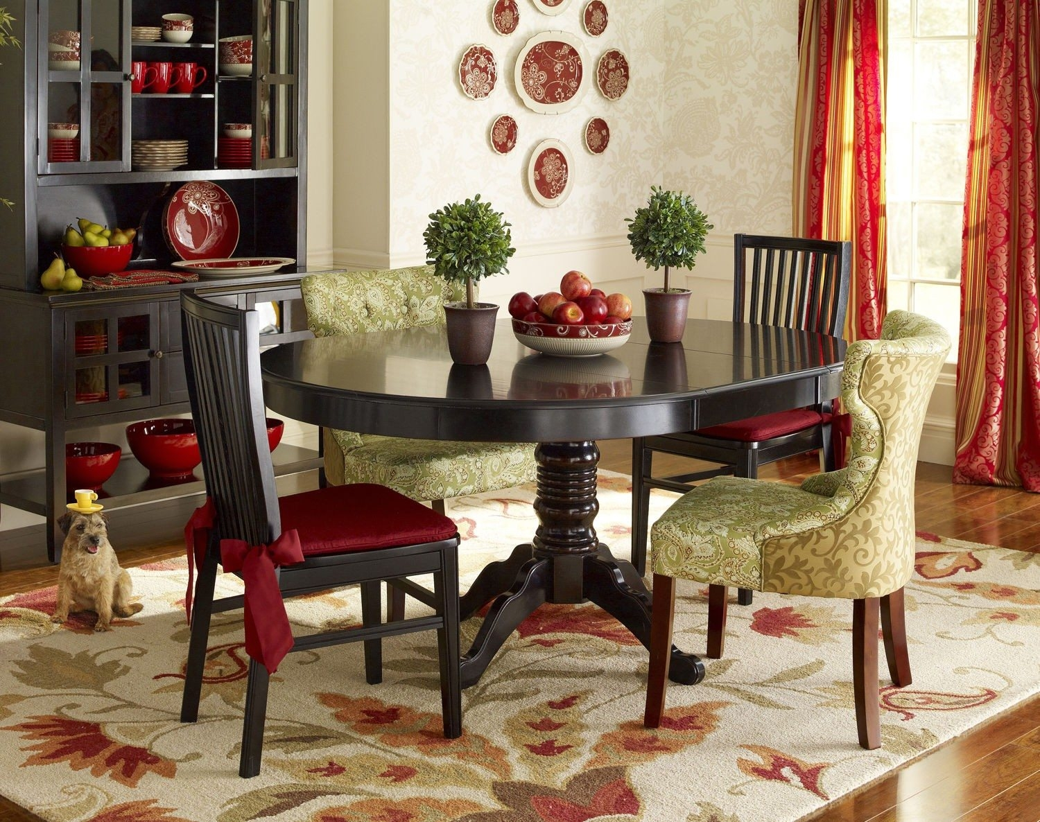Small dining room stunning designs for 2016 small homes 1 for Dining room styles 2016