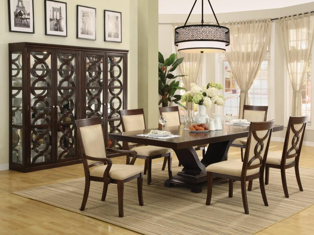 Amazing decorating ideas for dining rooms that inspire for Pictures of decorated dining room tables