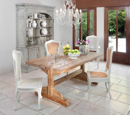 Do you need a shabby chic dining room ?