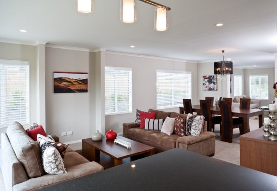 How to perfectly decorate a living room dining room for Living room and family room combo