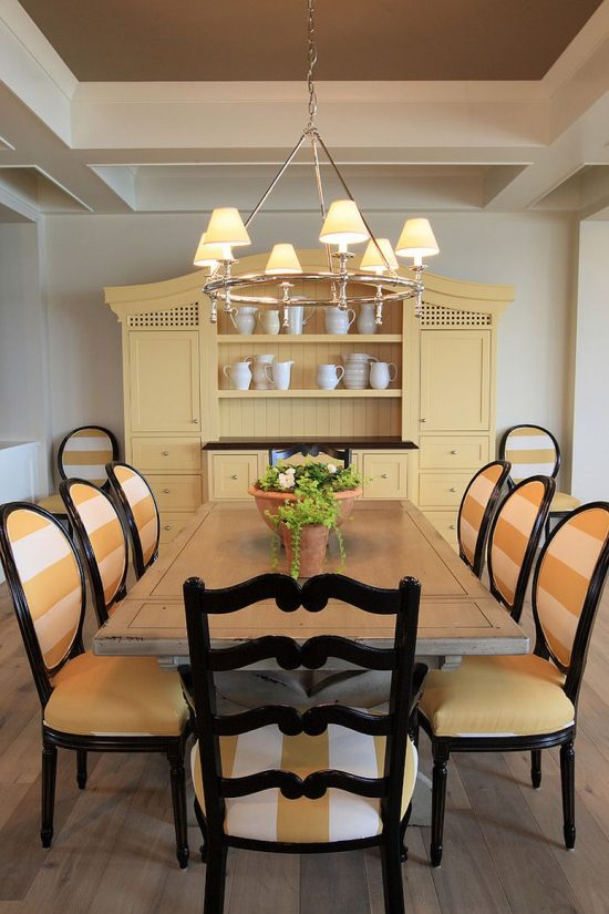 creative ways to decorate a dining room hutch dining