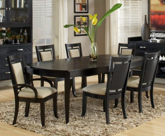 How to best furnish your small dining space dining room for Good dining tables for small spaces