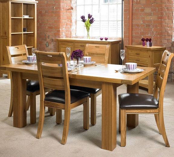 Is oak affecting you re the way you decorate your dining for Oak dining room ideas