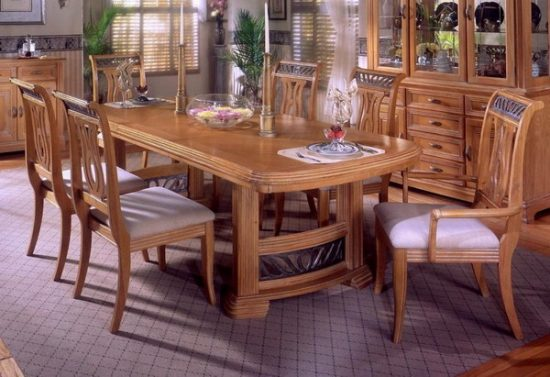 Oak dining room set how to go traditional elegantly for Oak dining room set