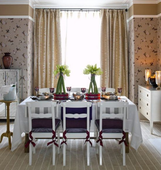Cheap dining room decorating ideas to make it look for Ideas for dining room curtains