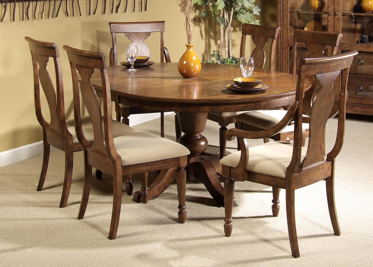 Mahogany dining room furniture a timeless beauty with an for Mahogany dining room chairs
