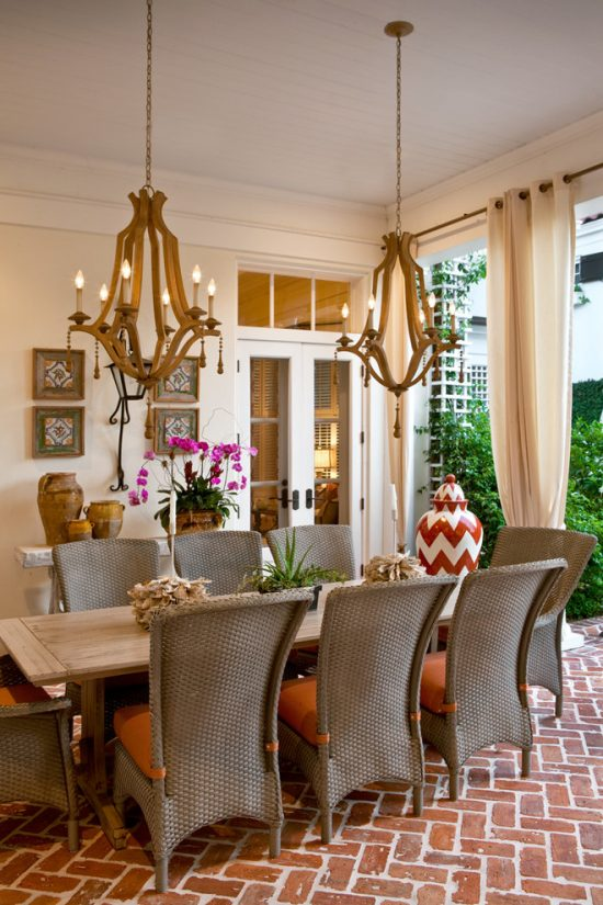 Smart ways to furnish your small dining space elegantly
