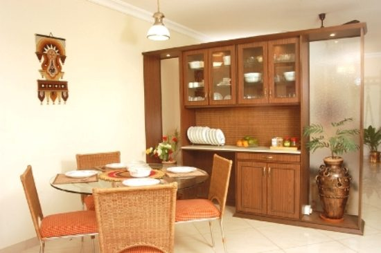 Dining room cabinets a necessity for organized elegant for Modern crockery cabinet designs dining room