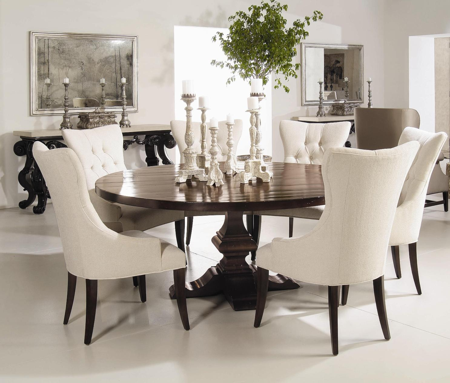 Invest in pedestal dining room table for a magnificent for Dining room table for 4