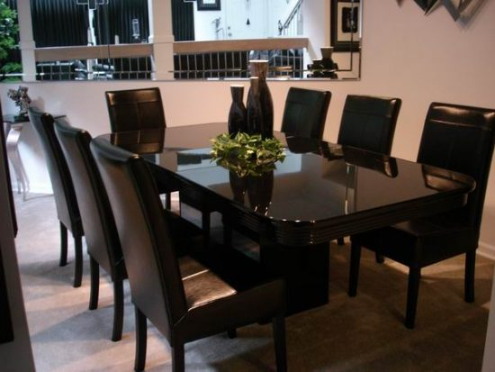 Leather dining room chairs a touch of class and elegance for Leather dining room sets