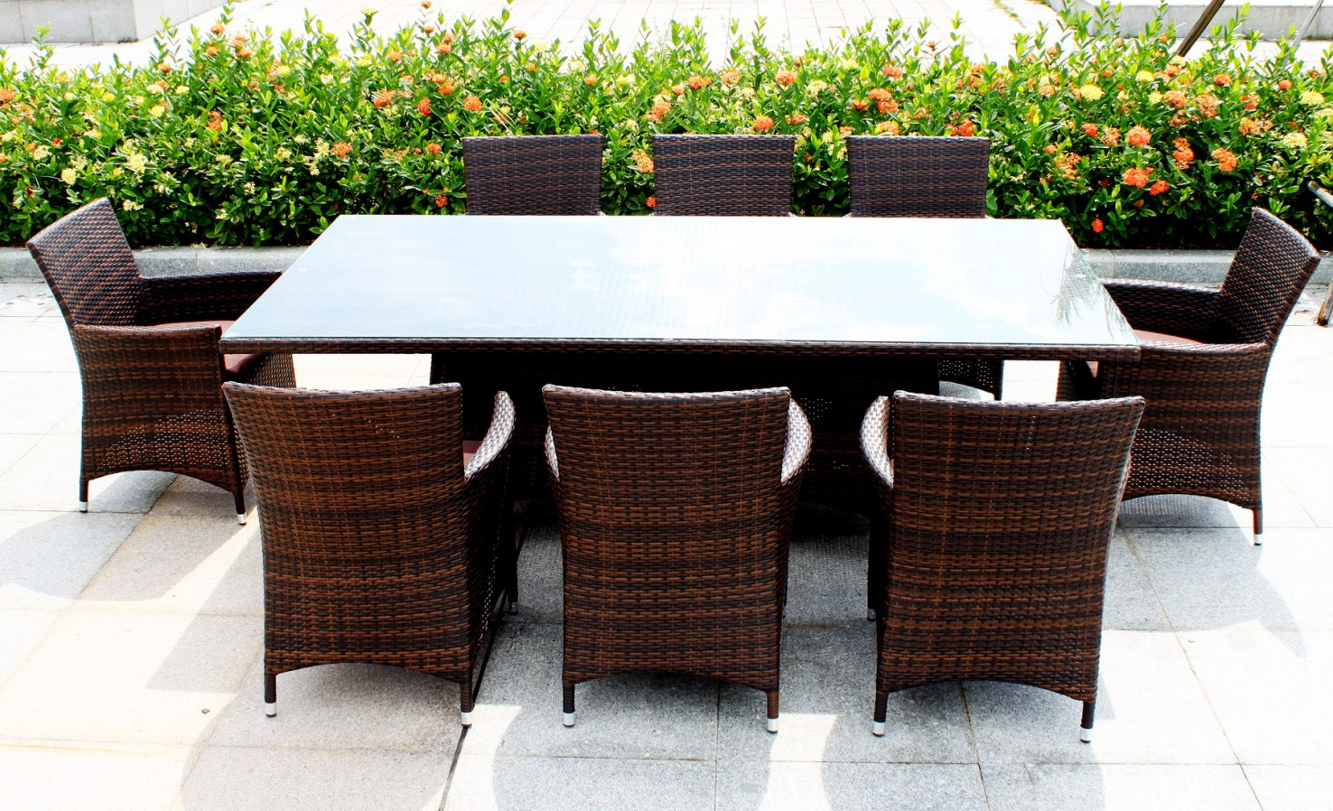 Outdoor dining table superb design ideas 24 outdoor for Table design outdoor