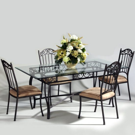 The right dining chairs for your dining room table; what to consider!