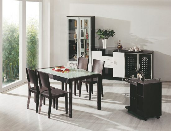 Small spaces dining room table chairs there is always for Dining room tables for small spaces