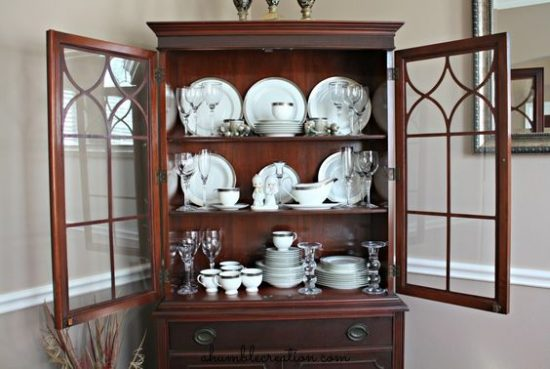 4 amazing tips to decorate your China Cabinet