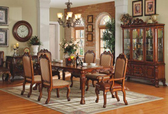 8 Creative ways to re decorate a Traditional Dining Room