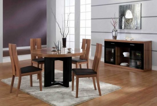 What to Consider when buying a Wood Dining Table?