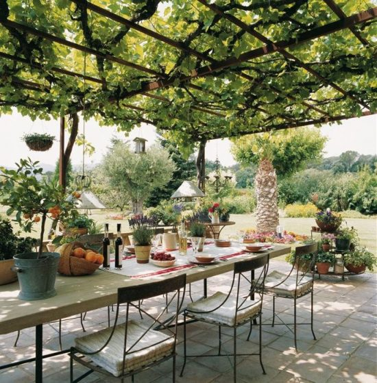 How to get the best dining area look and functionality outside!