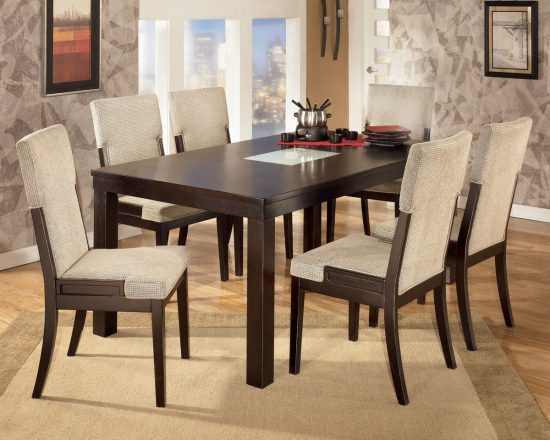 Mahogany dining room furniture; A timeless beauty with an imperial look
