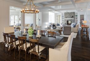 Coastal dining room theme decor for a maximum calmness and peace
