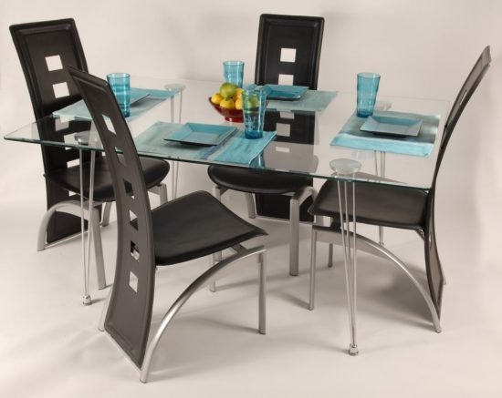 Discount dining room tables; How to find and What to get