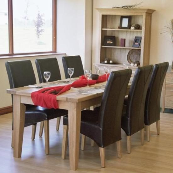 Leather dining room chairs; a touch of class and elegance in dining space